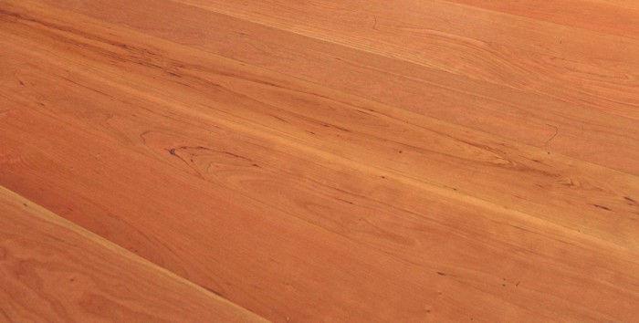 ciliegio non adatto per pavimento in legno parquet e riscaldamento a pavimento radiante a Chirignago Mestre Venezia