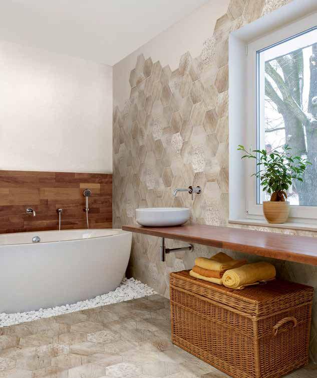 bagno con piastrelle esagonali effetto legno in gres porcellanato