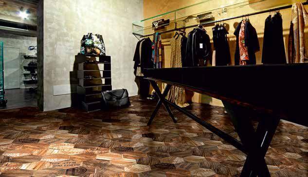 pavimento con piastrelle finto legno ad esagoni in gres porcellanato