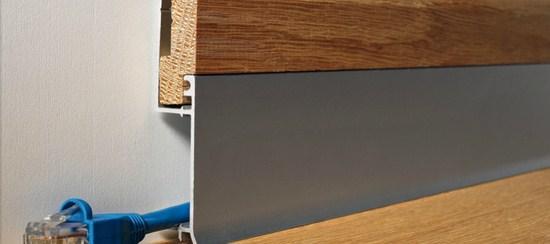Battiscopa in metallo alluminio e legno rovere serie BI Bicolor