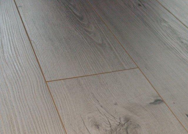 pavimento in legno negozio a Venezia Mestre Chirignago