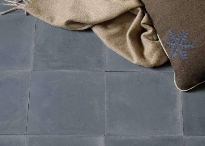 cementine monocromatiche per pavimento negozio a Venezia Mestre Chirignago