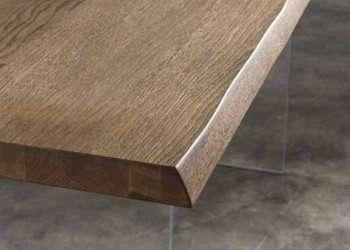 tavolo in legno scortecciato dettaglio