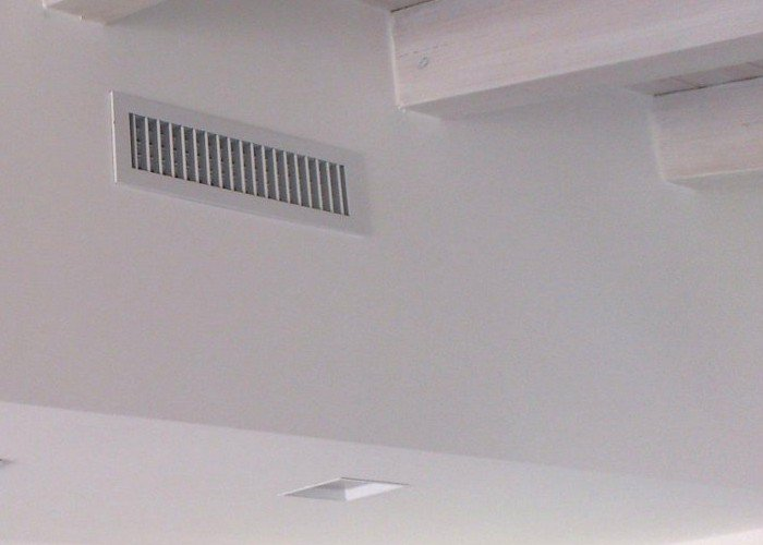bocchetta a parete per condizionatore canalizzato a Venezia Mestre Chirignago