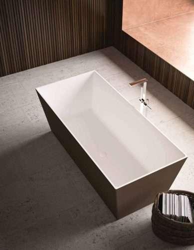 vasca da bagno moderna colorata e free standing modello Torino